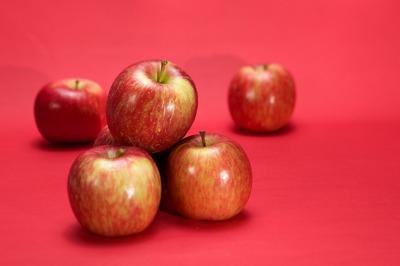 三貴經過檢核的有機蘋果甜美多汁